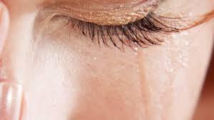 oog met traan